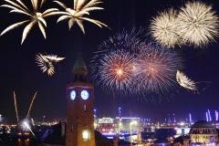 Feuerwerk beim Hamburger Hafengeburtstag